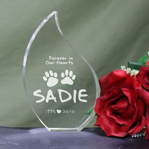 Engraved Pet Memorial Tear Keepsake - Forever In Our Hearts Pet Memorial Teardrop
