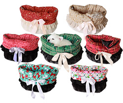 Christmas Snuggle Bug Pet Bed-Carriers