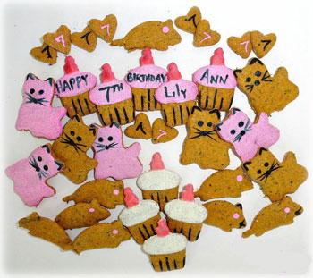 ... Akemi, Ragdoll kitties with a cat nip lolli pop and birthday cookies