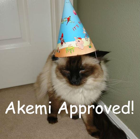 Organic catnip and tuna cat birthday fish cake pampered for Is tuna fish good for cats